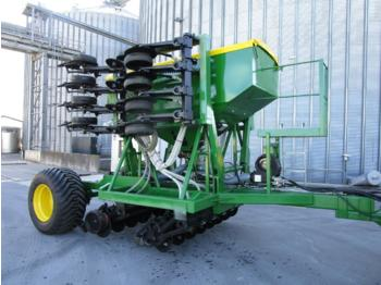 Precision sowing machine John Deere 750A