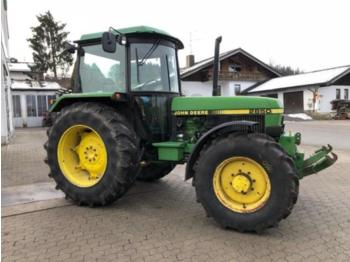 Wheel tractor John Deere 2850: picture 1