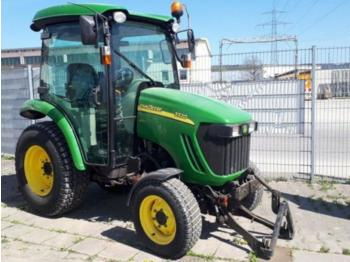 Wheel tractor John Deere 3320: picture 1