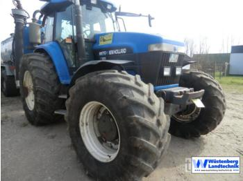 New Holland 8870 A - wheel tractor