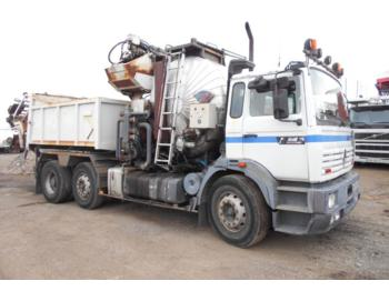 Asphalt machine Renault G300