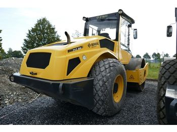 BOMAG BW 212 DH-5 - road roller