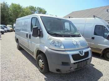 PEUGEOT Boxer 330 2,2 HDi 120 L2H1 - closed box van