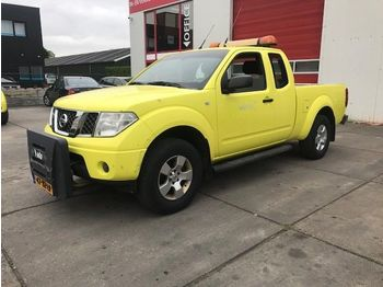 Nissan Navara 2.5 DCI KING CAB 4WD  - open body delivery van