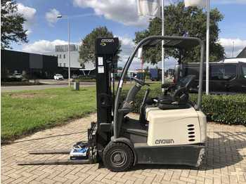 3-wheel front forklift Crown SC 5310 (350 hours)