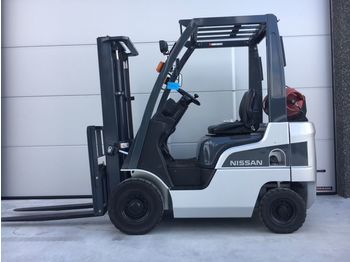 NISSAN P1F1A15D - 3-wheel front forklift