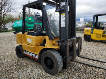 CATERPILLAR DP30 - 4-wheel front forklift