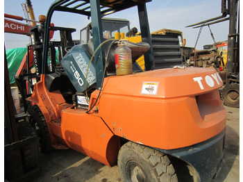 TOYOTA FD50 - 4-wheel front forklift