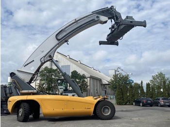 Liebherr LRS645 - reach stacker