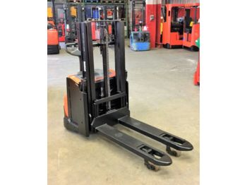 BT SWE 200 D // 1.300 Std / HH 1850 mm / Initialhub - stacker