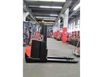 BT SWE 200 D // 2.800 Std / HH 1730 mm / Initialhub - stacker