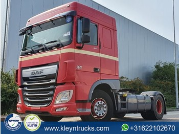 Tractor unit DAF XF 460 spacecab euro 6