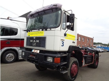 "MAN 19.422 4x4547""km - tractor unit"