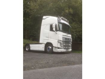 Volvo Globetrotter XL - tractor unit
