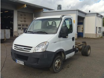 Iveco DAILY 40C15 - cab chassis truck