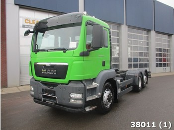 MAN TGS 26.440 6x4H Euro 5 - cab chassis truck