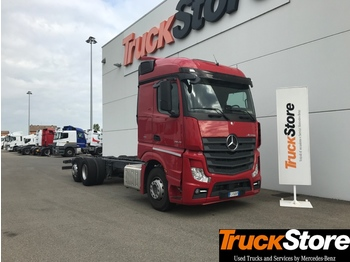 Mercedes-Benz Actros ACTROS 2545 L - cab chassis truck