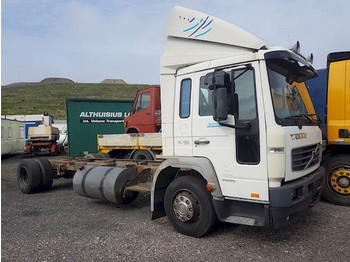 Volvo FL 614 - cab chassis truck