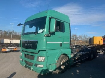 Container transporter/ swap body truck MAN TGX 26.440 XLX 6x2 Liftachse, EEV