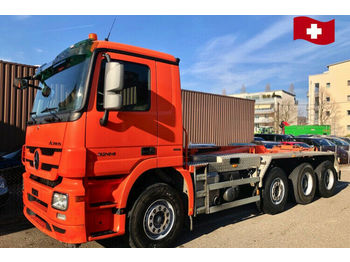 Mercedes-Benz Actros 3244    8x4  - hook lift truck